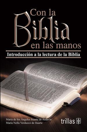 CON LA BIBLIA EN LAS MANOS